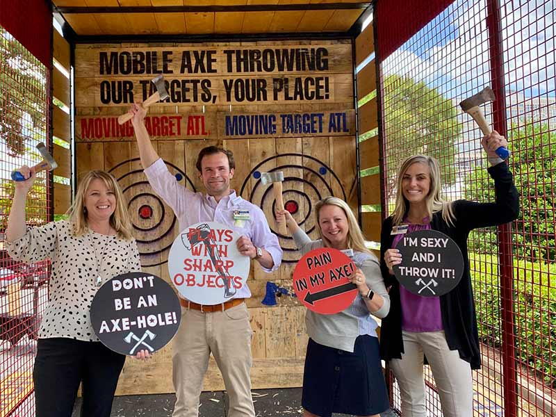 How does axe throwing work? Photos from events